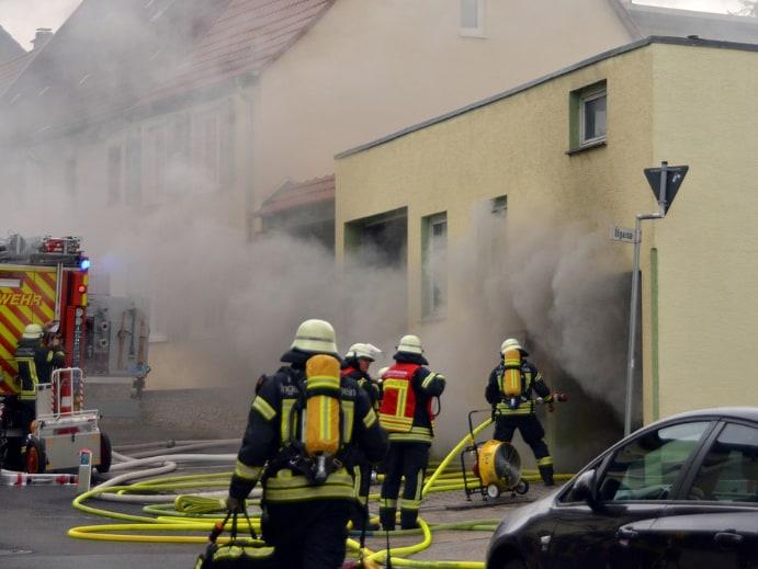Sicherheit Brandschutz für Haus und Wohnung - Feuerwehreinsatz
