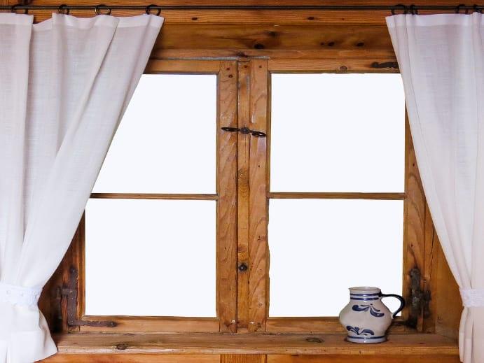 Vorhang vor Fenster