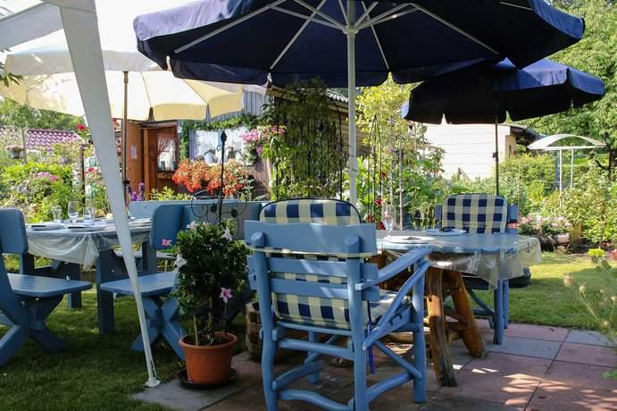 Möbeln den Garten