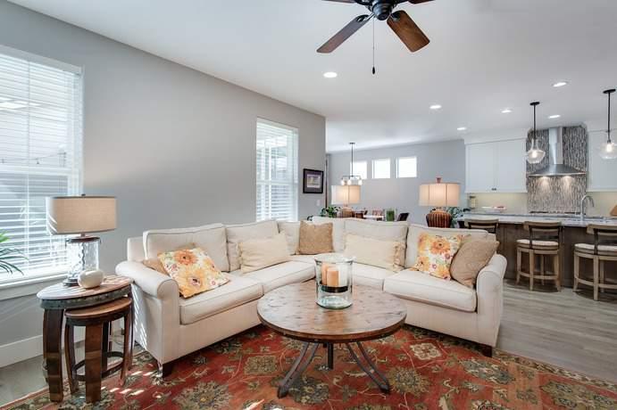 Sofa im Raum